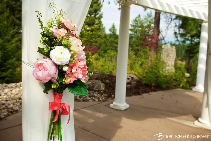 RockingKRanch-WeddingVenueOutdoorCeremonyFlowersMarriageDeerParkWashington